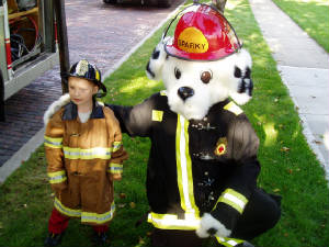 sparky_and_a_future_firefighter.jpg